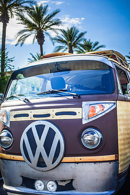 Bus Photograph - 1979 Volkswagen Vw Bus Emblem -0264c by Jill Reger