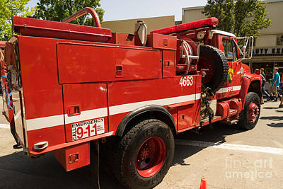 Photograph - 1982 International Cal Fire Engine Model 6 Dsc1411 by Wingsdomain Art and Photography