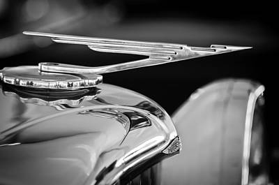 Photograph - 1984 Duesenberg Sj - Twenty Grand - Tribute Hood Ornament -1652bw by Jill Reger