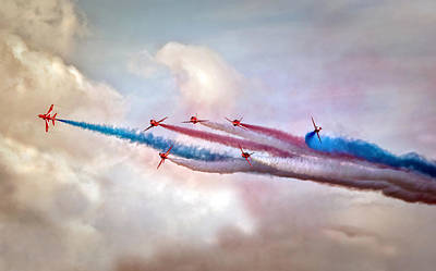 Raf Photograph -   Red Arrows by Jason Green