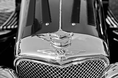 Photograph - 1937 Ss100 3.5-liter Jaguar Roadster Grille Hood Emblem by Jill Reger