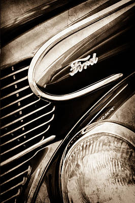 1939 Ford Woody Wagon Side Emblem Art Print
