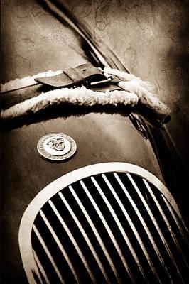 1953 Jaguar Xk 120se Roadster Grille Emblem Art Print