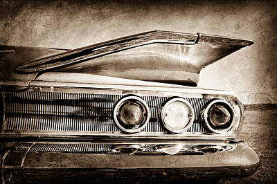 Chevrolet Impala Photograph - 1960 Chevrolet Impala Resto Rod Taillight by Jill Reger