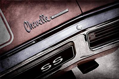 1970 Chevrolet Chevelle Ss Taillight Emblem Art Print