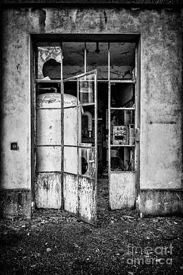 Photograph - Abandoned Sanatorium by Traven Milovich