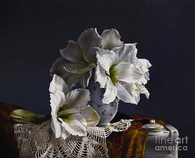Realist Painting - Amaryllis  by Larry Preston
