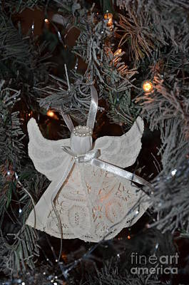 Photograph - Angel Tree 13 by Bob Sample