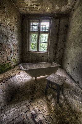 Haunted House Photograph - Bath Time by Nathan Wright