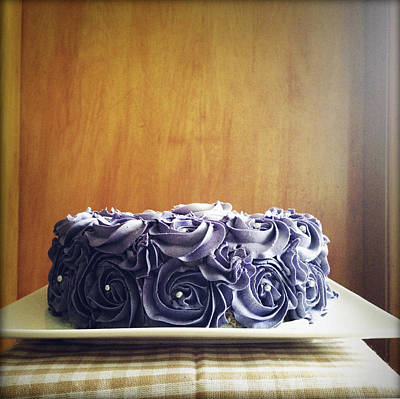 Cake Art Print by Les Cunliffe