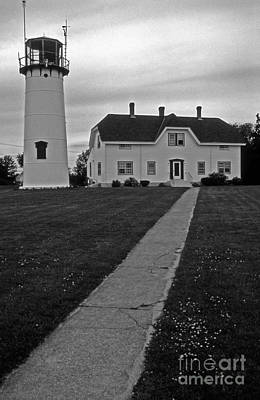 Chatham Lighthouse Photograph - Chatham Lighthouse by Skip Willits