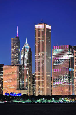 Target Threshold Nature - Chicago skyline at dusk by Songquan Deng