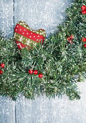 Photograph - Christmas Garland by Amanda Elwell