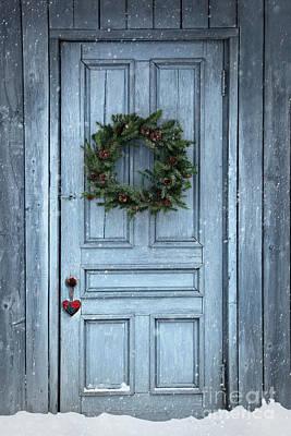 Photograph - Christmas Wreath On Barn Door by Sandra Cunningham