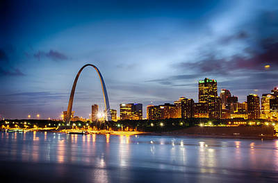 City Of St. Louis Skyline. Image Of St. Louis Downtown With Gate Art Print by Alex Grichenko