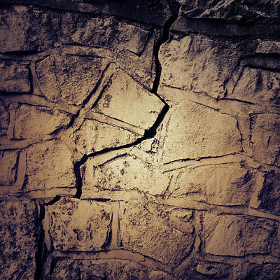 Cracked Wall Art Print by Les Cunliffe