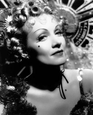 Beauty Mark Photograph - Destry Rides Again, Marlene Dietrich by Everett