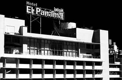 Photograph - El Panama by John Rizzuto