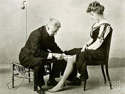 Electro-therapeutics, 1910 Art Print by Science Source