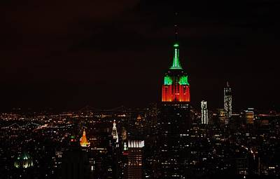 Photograph - Empire State Building Holiday Lights by Robert  Moss