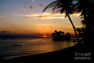 Photograph - Fijian Sunset by John Potts
