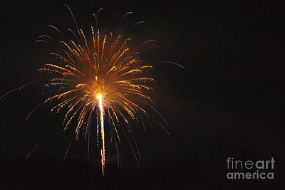 Brilliant Fireworks Photograph - Fireworks - Lincoln New Hampshire Usa by Erin Paul Donovan