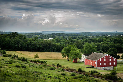 Photograph - Gettysburg Barn by Pat Scanlon