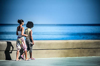 2 Girls On The Malecon Art Print
