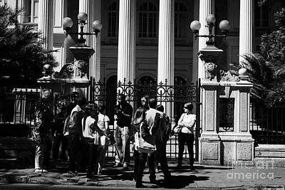 guided tour group outside the former national congress building Santiago Chile Art Print by Joe Fox