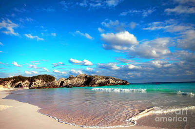 Horseshoe Bay In Bermuda Art Print
