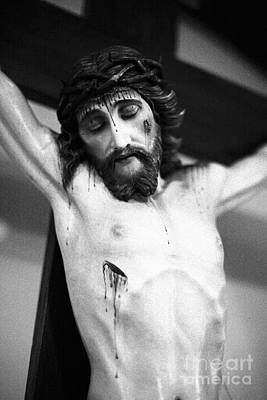 Jesus On The Cross Print by Gaspar Avila