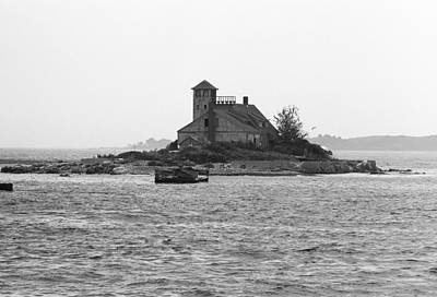 Photograph - Lighthouse Island - Portland Maine by Frank Romeo