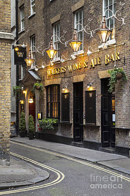 Photograph - London Pub by Brian Jannsen