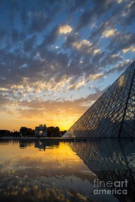 Photograph - Louvre Sunset by Brian Jannsen