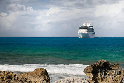 Majesty Of The Seas At Coco Cay Print by Amy Cicconi