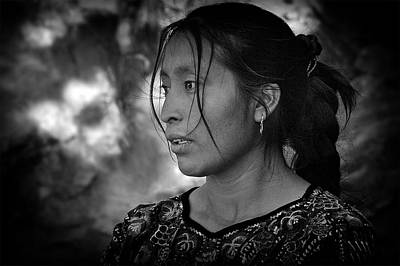 Women Photograph - Mayan Beauty by Tom Bell