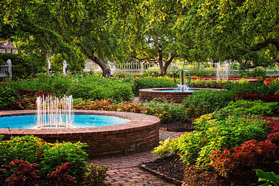 Prescott Park Photograph - Morning Garden by Jeff Sinon