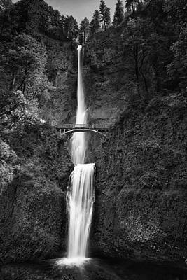 Multnomah Falls Waterfall Photograph - Multnomah Falls by Andrew Soundarajan