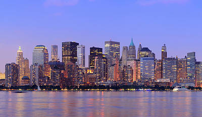 Colored Pencils - New York City Manhattan dusk panorama by Songquan Deng