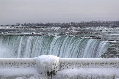 Niagara Falls In The Winter Art Print