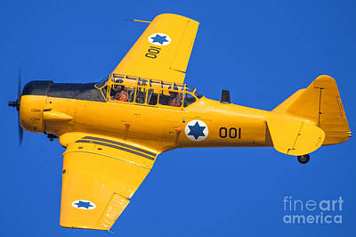 Harvard Propeller Photograph - North American Aviation T-6 Texan by Nir Ben-Yosef