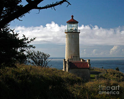 Photograph - North Head Lighthouse by Chuck Flewelling