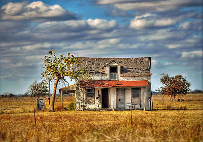 Art Print featuring the photograph Old Home by Savannah Gibbs