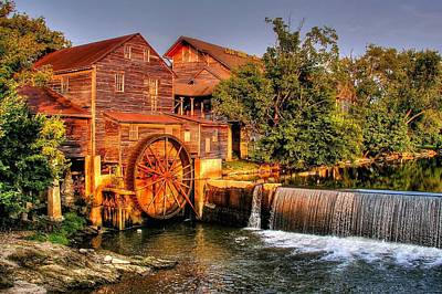 Print featuring the photograph Old Water Mill by Ed Roberts