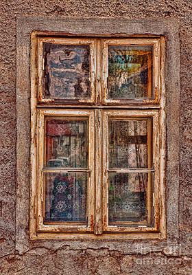 Photograph - Old Window by Les Palenik