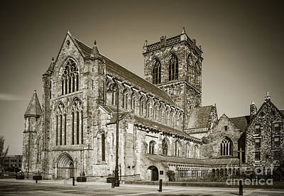 Photograph - Paisley Abbey by Liz Leyden