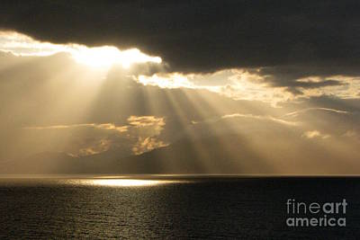 Photograph - Radiant Beams by Frank Townsley