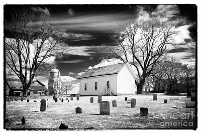 Old Home Place Photograph - Resting Place by John Rizzuto