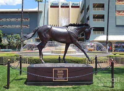 Santa Anita Race Track Statue Of Zenyatta Art Print