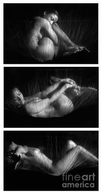 Female Body Photograph - Sas 2 by Tony Cordoza